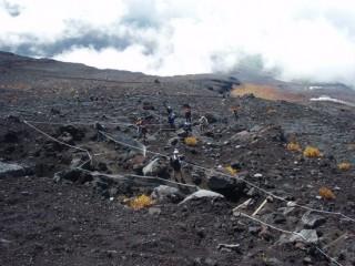 27年9月26日富士登山者-thumb-550x412-3440